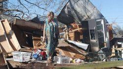 Νεκροί, εγκλωβισμένοι και επιζώντες στα συντρίμμια που άφησε πίσω του ο τυφώνας Μάικλ