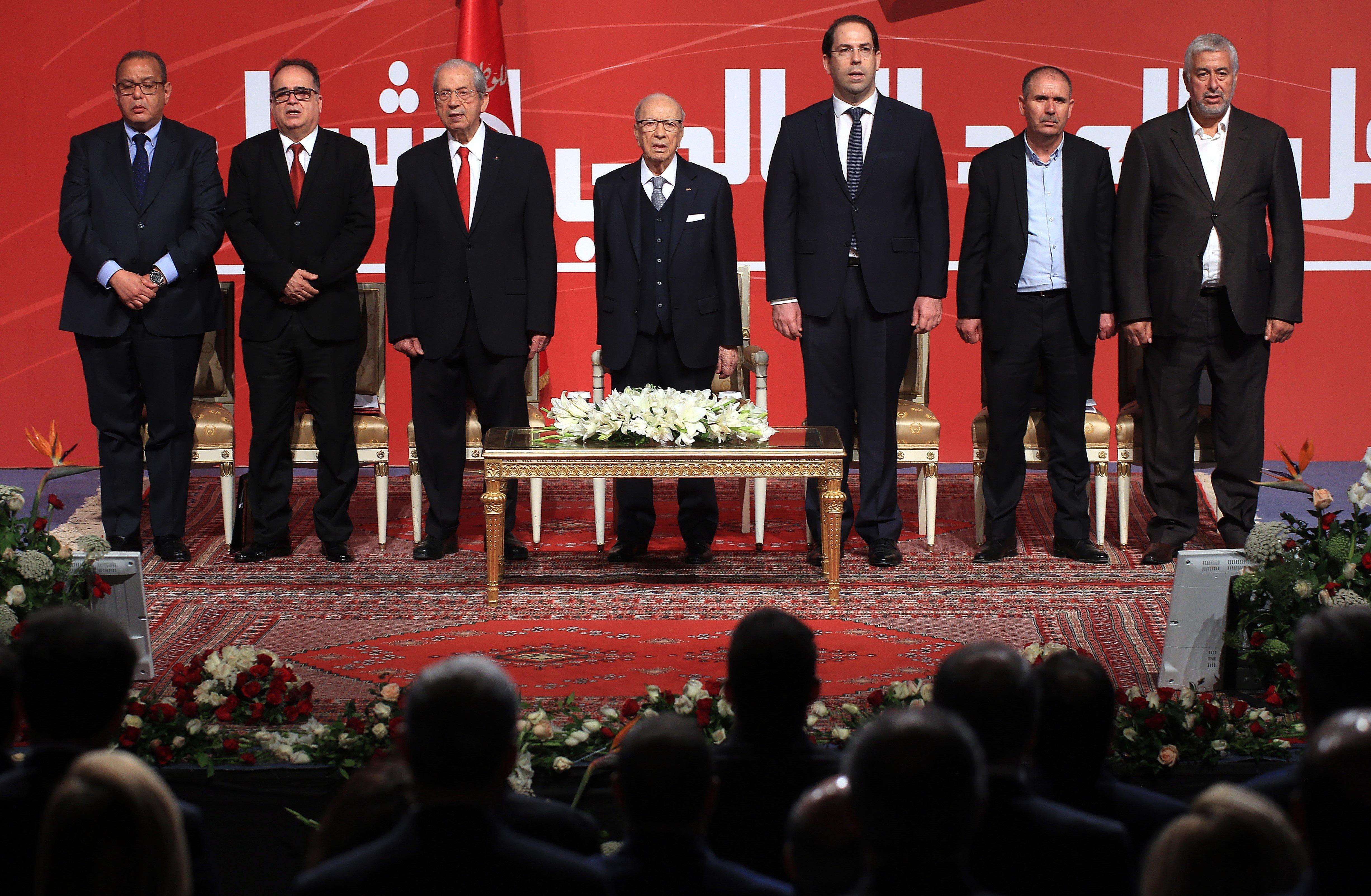 Rencontre entre Youssef Chahed et Noureddine Taboubi: Les concertations se poursuivront pour éviter la grève générale dans le...