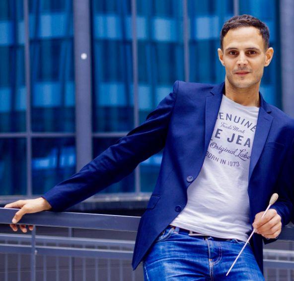 Rencontre avec le chef d'orchestre franco-marocain Mehdi