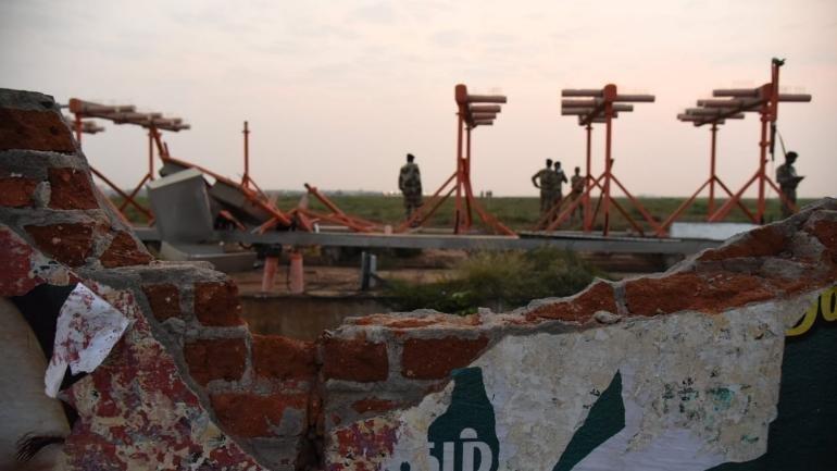 Αεροσκάφος της Air India χτύπησε σε τοίχο κατά την απογείωσή αλλά η πτήση συνεχίστηκε