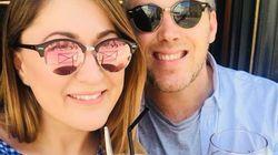 Englisches Paar betrinkt sich während Flitterwochen und kauft