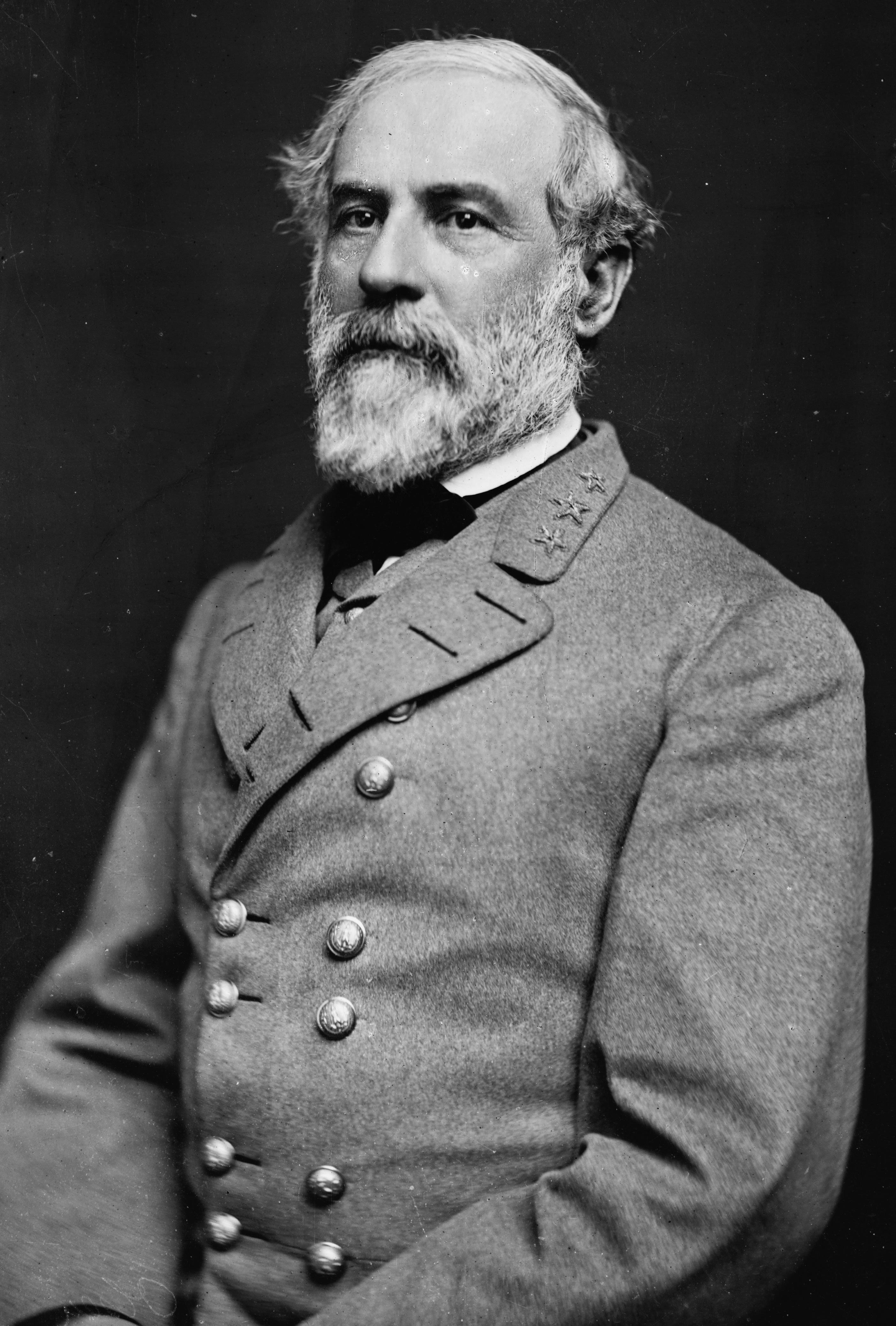 Robert E. Lee Descendant Slams Trump Over Praise For Confederate General