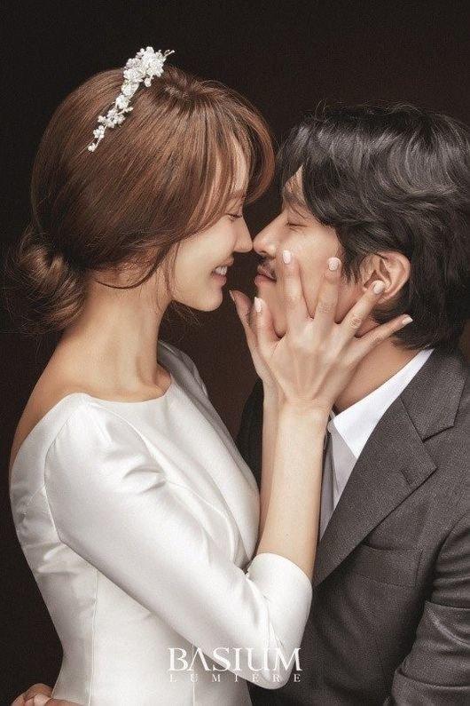 4년 열애 끝에 결혼하는 배우 양미라의 웨딩 화보