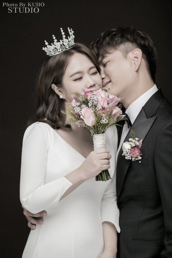 코미디언 홍현희와 크리에이터 제이쓴의 웨딩 화보가 공개됐다