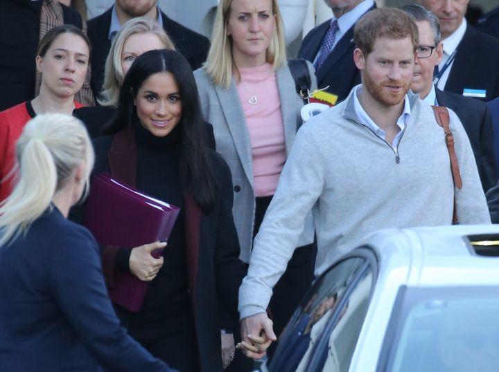 Το πριγκηπικό ζεύγος κατά την άφιξή του στο Σίδνεϊ την Δευτέρα, λίγες ώρες πριν την ανακοίνωση της εγκυμοσύνης.