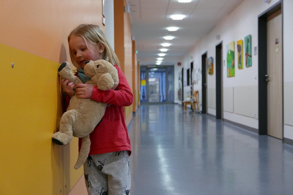 """Kinofilm """"Elternschule"""": Tausende Eltern sind entsetzt – ein Kinderarzt schlägt Alarm"""