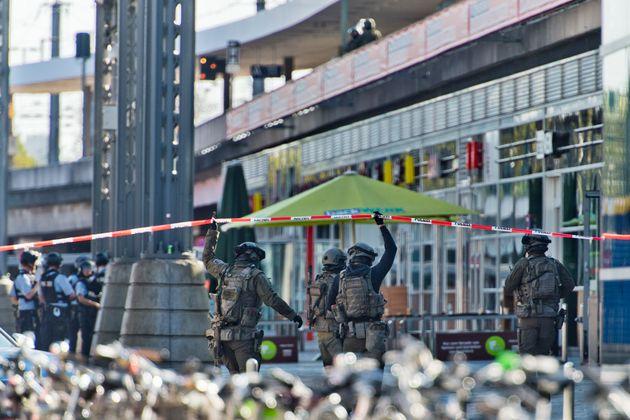 Κολωνία: Λήξη συναγερμού για την ομηρία στον κεντρικό σιδηροδρομικό