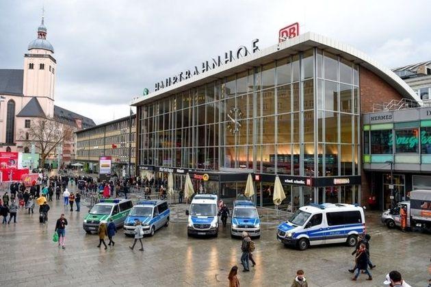 Trois blessés lors d'une prise d'otage en gare de