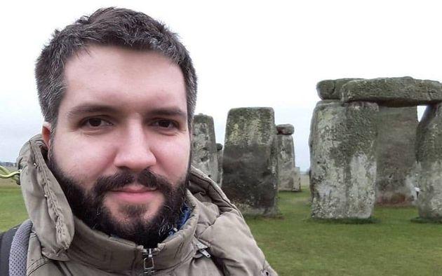 Συνεργάτης της Διεθνούς Αμνηστίας απήχθη και βασανίστηκε στην Ρωσία. Η καταγγελία, οι απειλές και η μυστηριώδεις αναρτήσεις