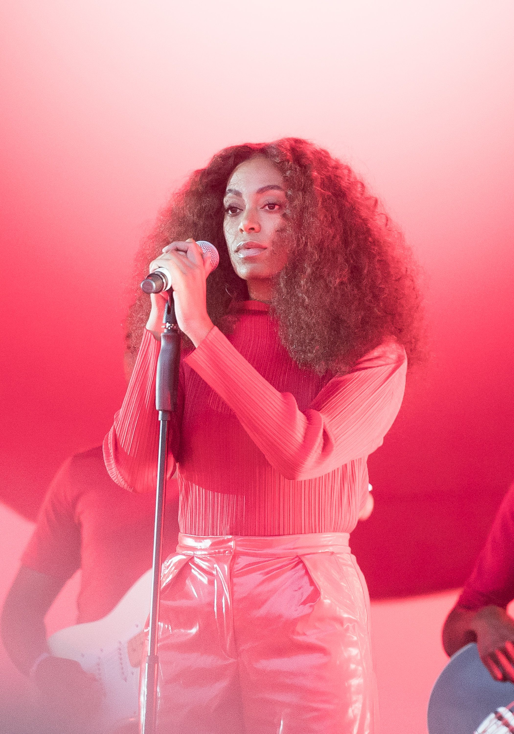 GLASTONBURY, ENGLAND - JUNE 24:  Solange performs on day 3 of the Glastonbury Festival 2017 at Worthy Farm, Pilton on June 24, 2017 in Glastonbury, England.  (Photo by Samir Hussein/Redferns)