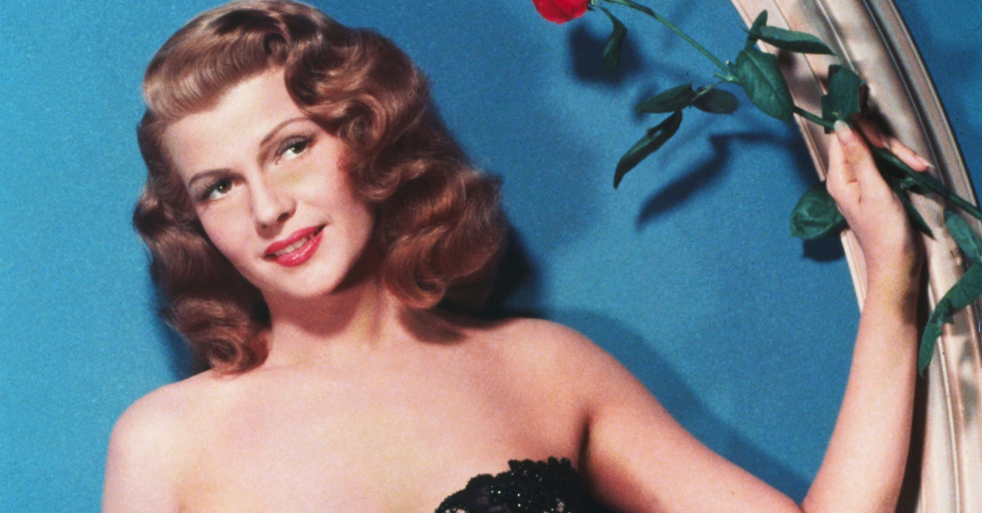 74e0e6573d2 Rita Hayworth s Timeless Old Hollywood Style As Seen In 29 Stunning Photos