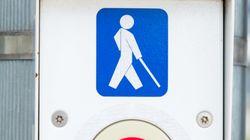 Appel à protéger les droits des aveugles et malvoyantes de se déplacer en toute