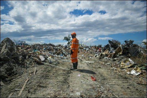 수십 년간 천천히 성장해온 인도네시아의 도시가 쓰나미로 인해 한 세대 전으로
