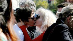 코소보가 강력한 경호 하에 두 번째 게이 퍼레이드를