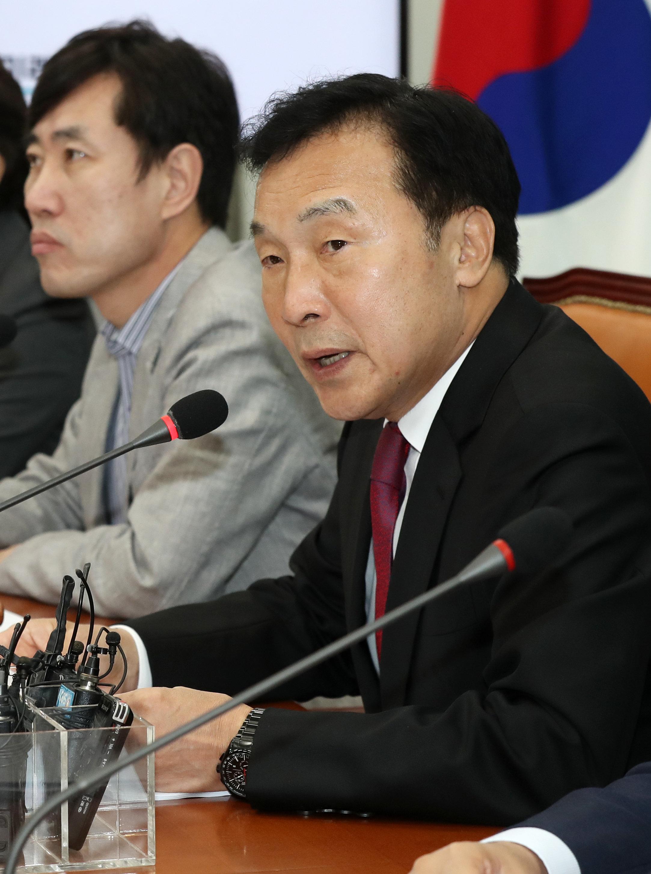 손학규가 한국당과의 통합론과 관련해