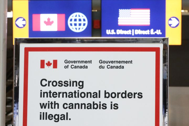 A sign at an Ontario airport.