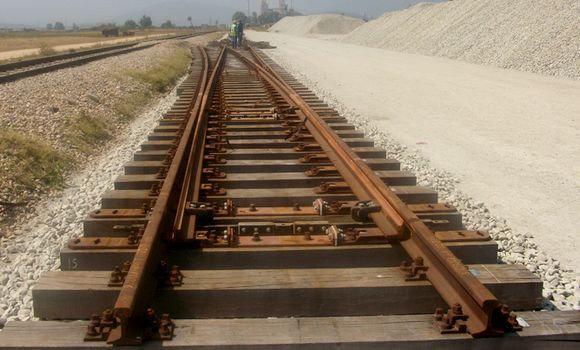 Annaba : réhabilitation prochaine de la ligne ferroviaire reliant le port à la mine de Djebel El