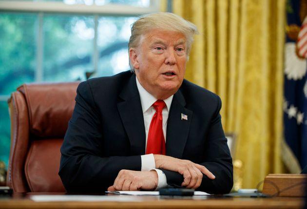 트럼프가 '기자 암살 의혹' 사우디 왕실을 변호하고