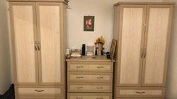Frau will online Möbel verkaufen: Käuferin macht sie auf pikantes Detail