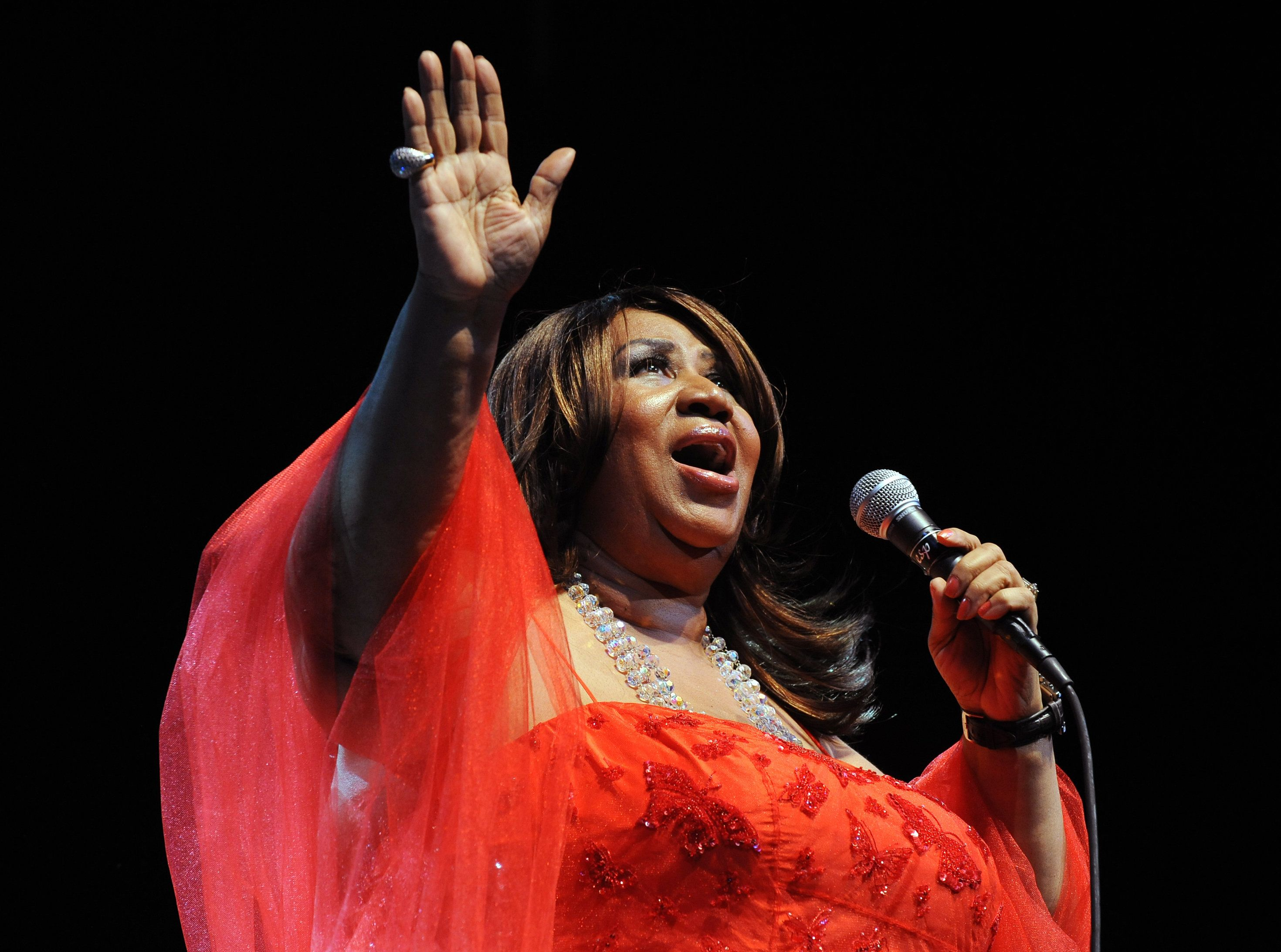 Breathtaking New Aretha Franklin Remix Is An Early Christmas Present For