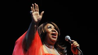 ST-ARETHA TRACY A WOODWARD/TWP DATE: SEPT 11, 2009 LOCATION: Montgomery College Takoma Park/Silver Spring Campus, 7995 Georgia Ave., Silver Spring, MD. SUMMARY: Aretha Franklin performs at the Montgomery College Takoma Park/Silver Spring Campus. CAPTION: Aretha Franklin sings at the opening of the new Performing Arts Center, Montgomery College Takoma Park/Silver Spring Campus.