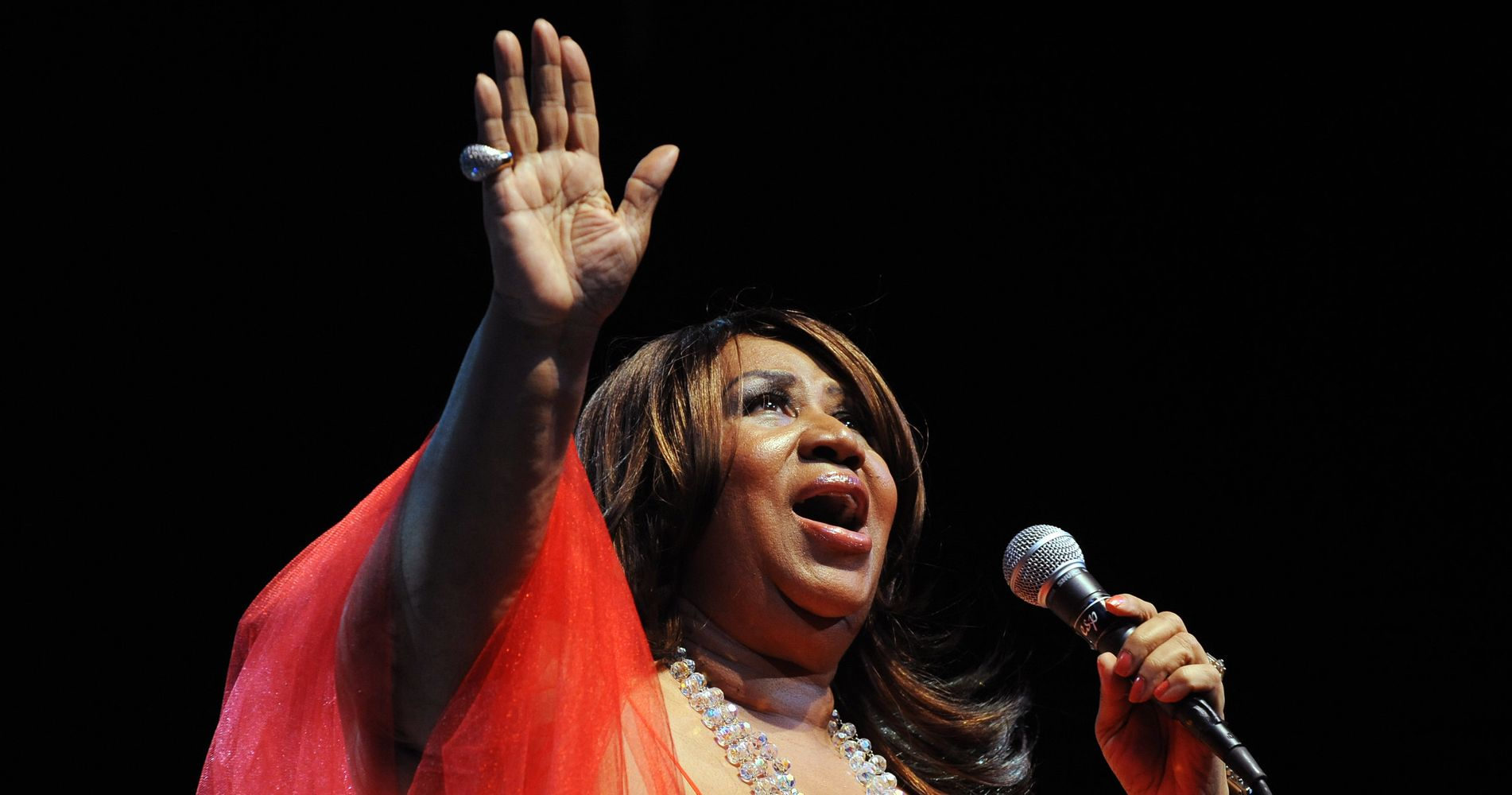 Breathtaking New Aretha Franklin 'Silent Night' Remix Is An Early Christmas Present For Fans