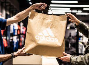 Η adidas ανακαλεί την συλλογή παιδικών μαγιό Infinitex 3-Stripe a0bd640f007
