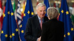 Brexit: Οι Βρυξέλλες προτείνουν παράταση της μεταβατικής περιόδου για την