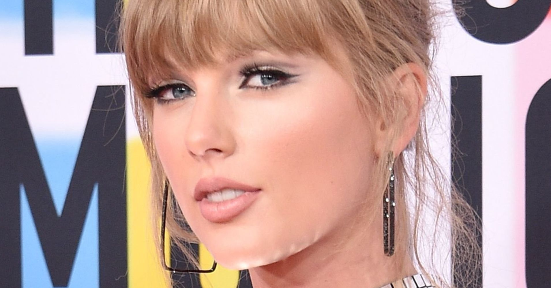 Taylor Swift Gets Political Again With New Message To Fans About Early Voting