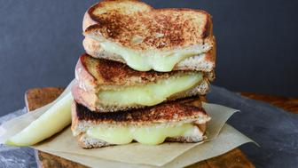 5 Ways Grilled Cheese Can Go Really Wrong