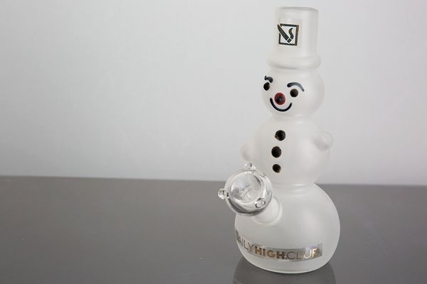 "Weeding out gifts for the stoners in your life? Surely, <a href=""https://dailyhighclub.com/products/frosted-snowman-dab-rig"""