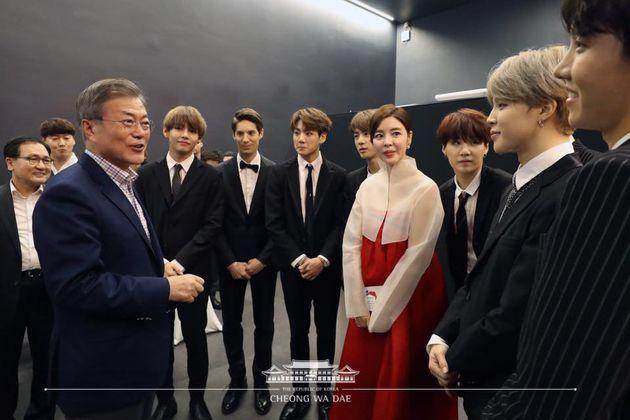 배우 김규리씨가 문 대통령 유럽 순방에 동행한