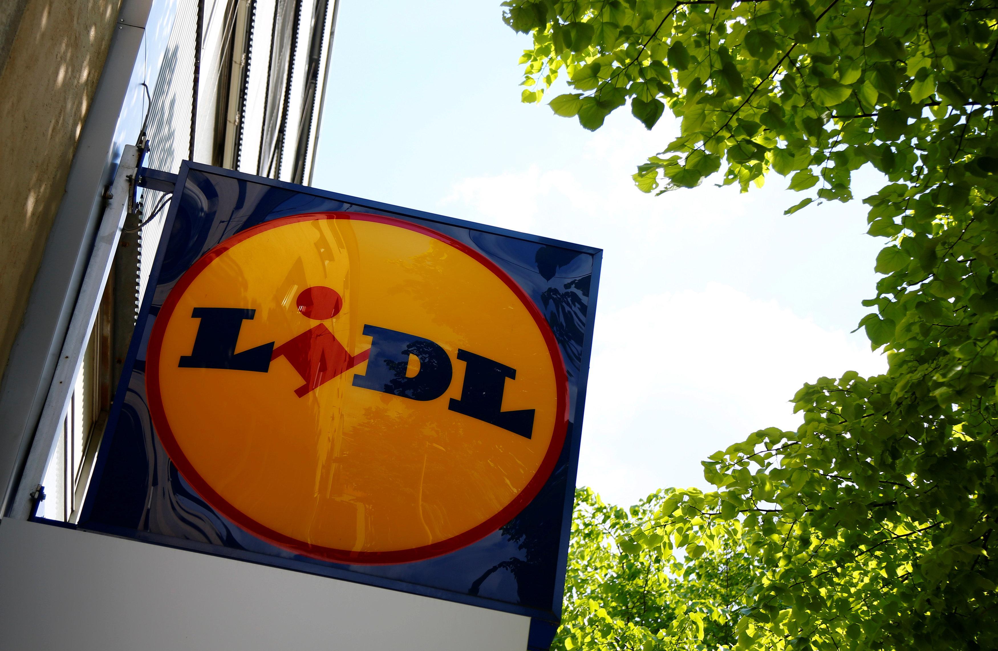 Lidl: Eltern wollen Alkohol kaufen, dann rückt die Polizei