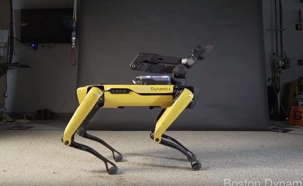 이 로봇이 춤추는 모습을 보면 로봇에 대한 생각이 바뀔지도
