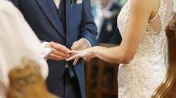 Bräutigams-Vater ist zu krank, um zur Hochzeit zu gehen – dann haben die Pfleger eine