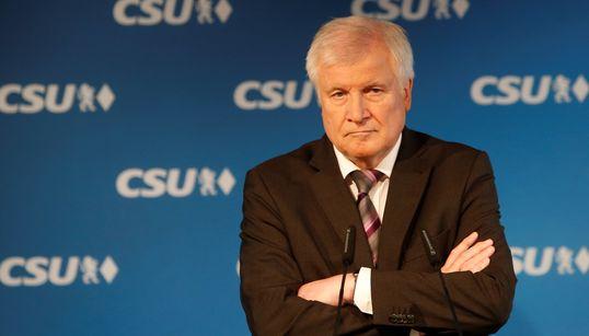 "Top-News To Go: Seehofer warnt vor Angstmacherei – ""Gesellschaft bricht nicht"