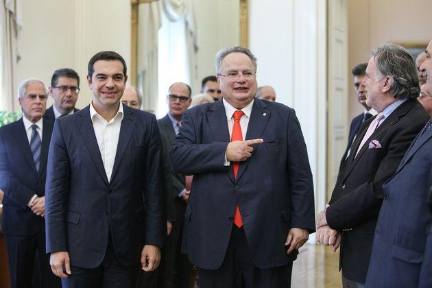 «Αθλιότητες» τα περί απόρρητων δαπανών, η δήλωση Τσίπρα κατά την παράδοση-παραλαβή στο Υπουργείο Εξωτερικών....