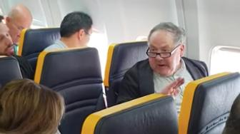 In the video, Ryanair staff did not appear to ask the man to leave.