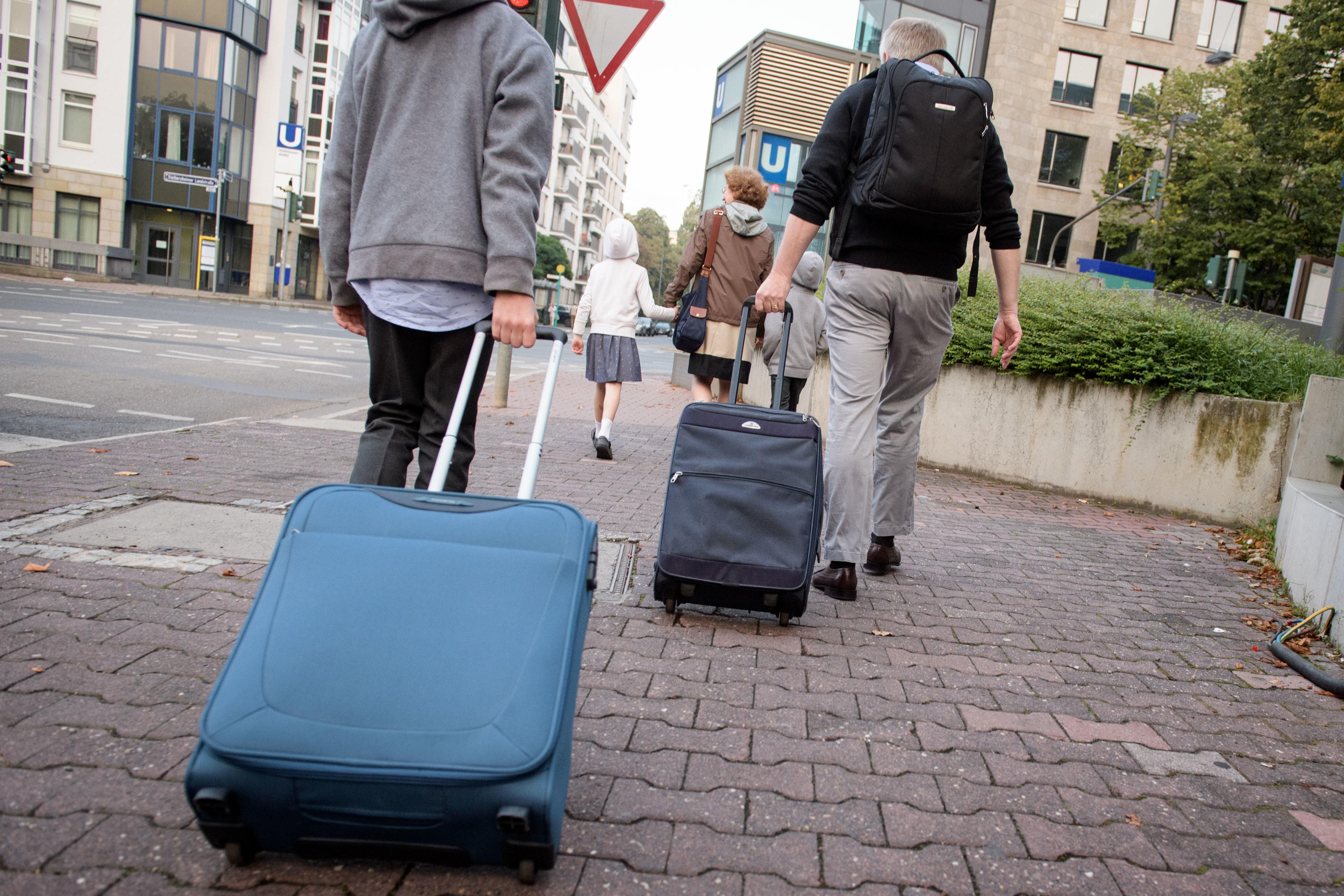 """Urlauber: """"Eurowings zerstörte meinen Koffer und stellt jetzt krude"""