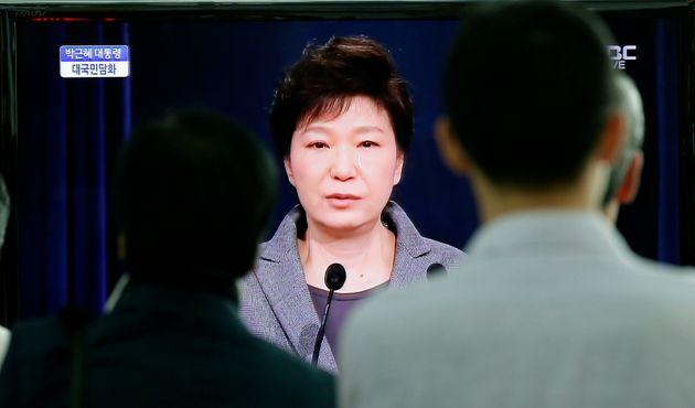 청와대가 박근혜 7시간 보도한 산케이신문 지국장 '유죄'