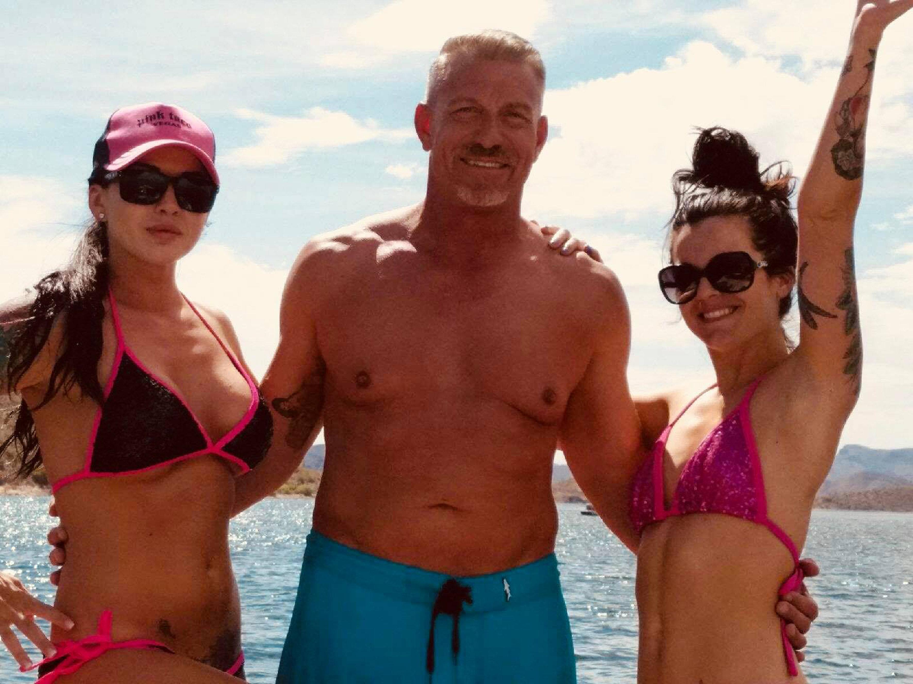 Kern Lehman mit seiner Ehefrau Taylor (links) und seiner Tochter Amanda