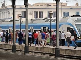Alger : 2 trains sur la même voie obligent les voyageurs à descendre avant la gare des
