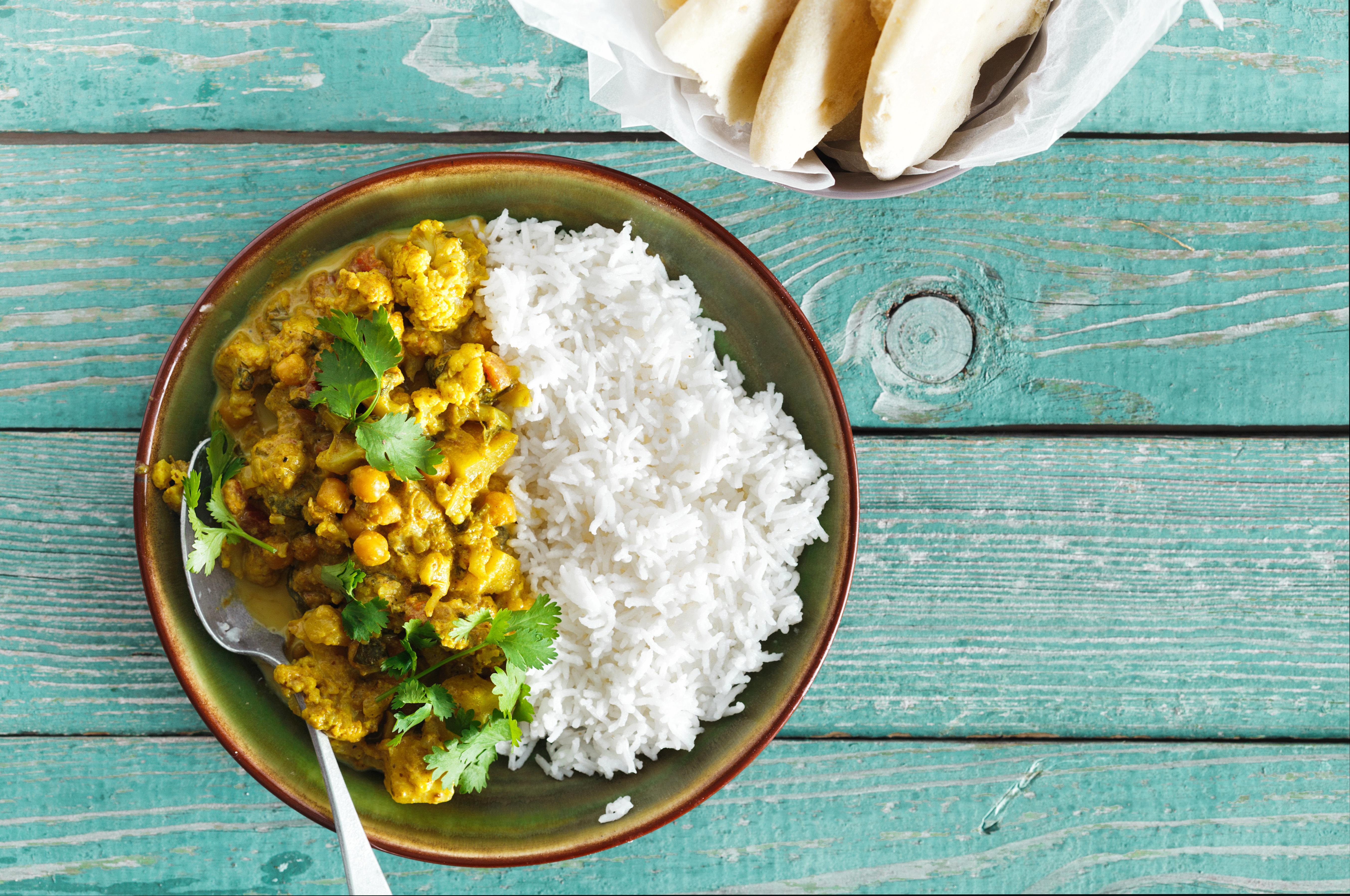 Τόσο καιρό μαγειρεύετε το ρύζι λάθος (και παίρνετε τσάμπα