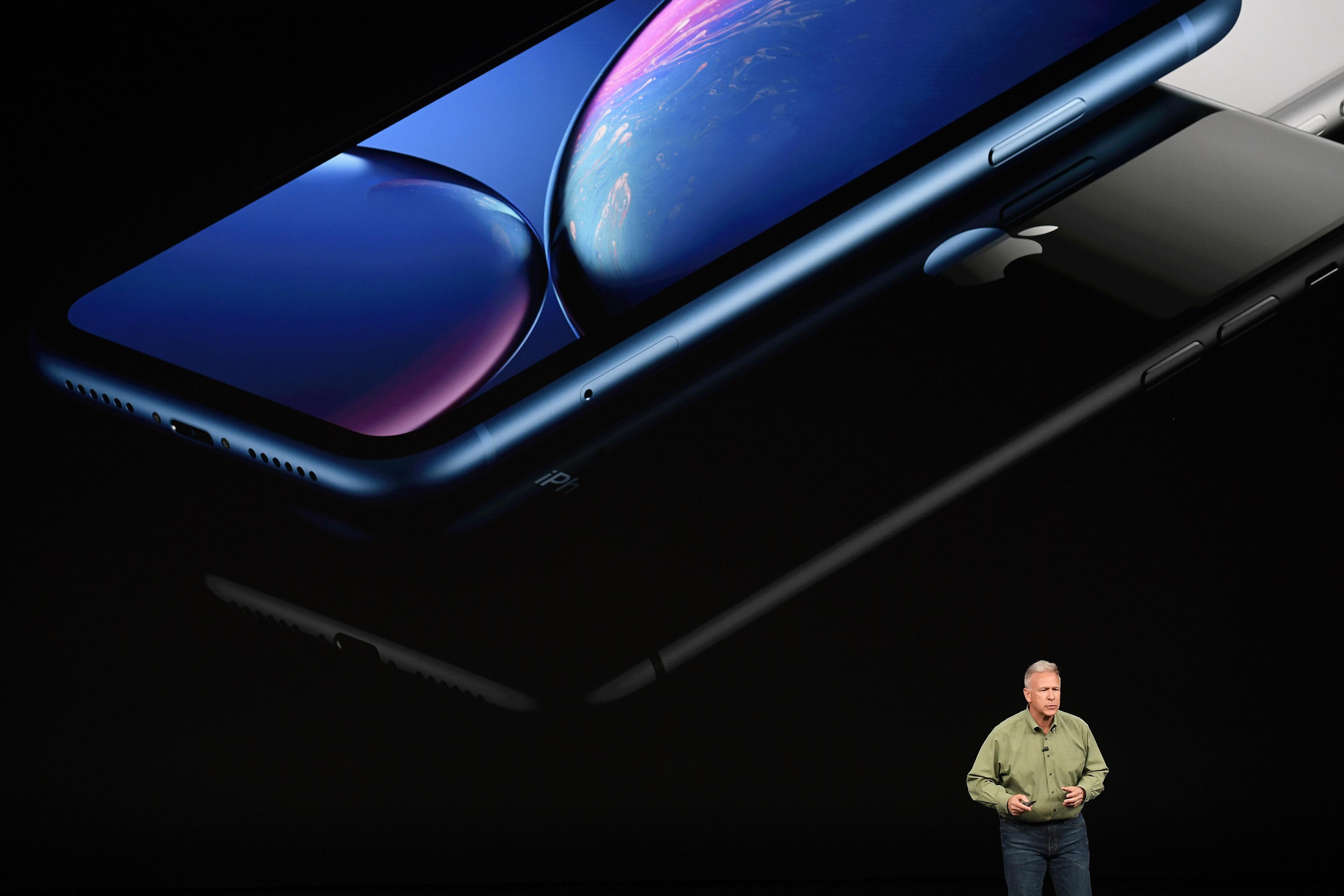 애플이 마침내 아이폰XR에서 'R'의 의미를