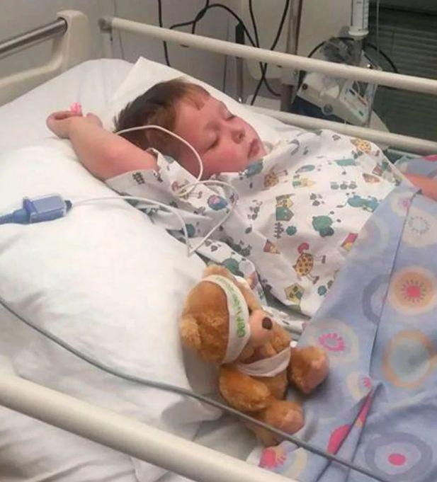 Sechsjähriger stirbt fast, weil Ärzte innerhalb von wenigen Tagen drei Fehldiagnosen