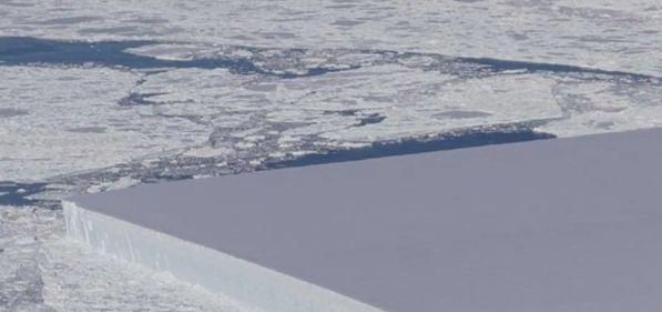 NASA-Forscher fliegen über die Arktis und entdecken seltenes