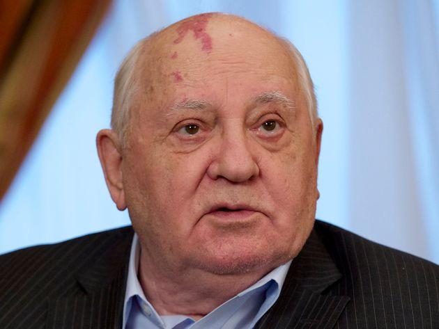 고르바초프가 트럼프의 '핵 조약 파기' 선언을 비판하며 꺼낸