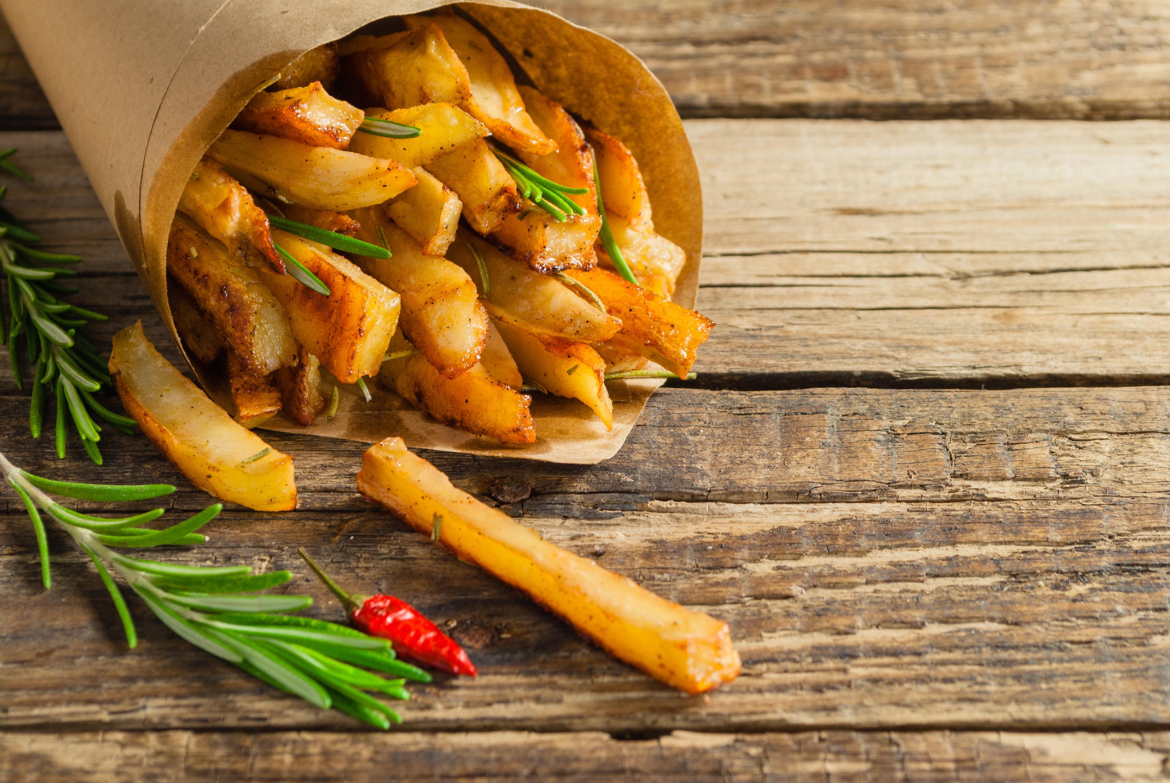 Η ανακάλυψη της τηγανητής πατάτας, η σχέση των Αρχαίων Αιγύπτιων με τα κρουασάν και άλλες 5 ιστορίες φαγητού