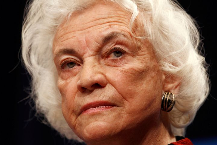 Sandra Day O'Connor, the first woman to serve on the Supreme Court, announced Tuesday that she has been diagnosed with dement