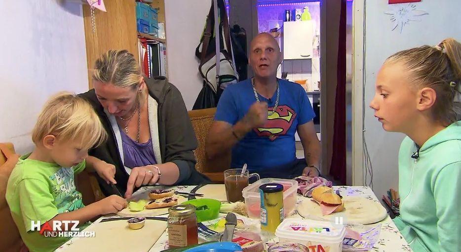 Siebenfacher Hartz-IV-Vater spricht über Armut und sagt, wieso er trotzdem glücklich